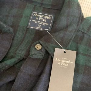 Abercrombie & Fitch plaid flannel (XS)
